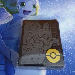 Pokemon Top Trainer Box Plus Zacian Card Hüllen (64 Stück)